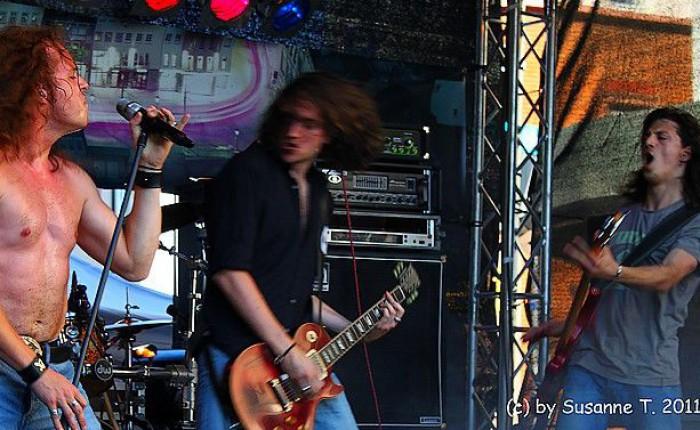 Mind_The_Gaep_-_Stadtfest_Neu-Isenburg_2011_-_Foto_von_Susanne_Tadic_05